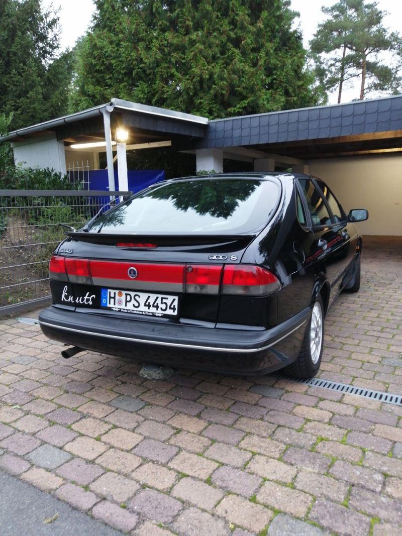 """Saab 900 II """"Knuts"""" heeft meer dan een half miljoen kilometer op de teller"""