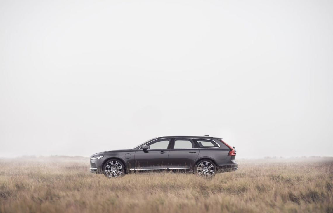 Volvo V90 modeljaar 21. Beperkt tot 180 km / u.