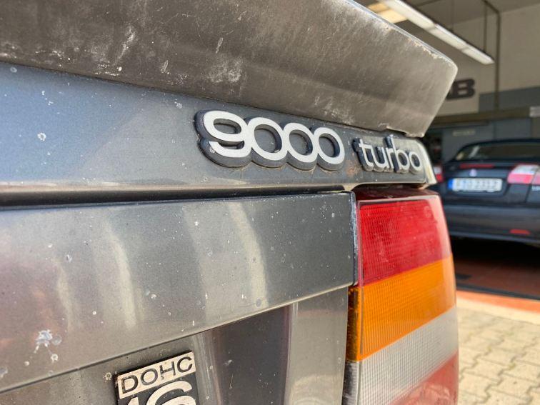 Spitzenmodell: 9000 Turbo 16 Schriftzug