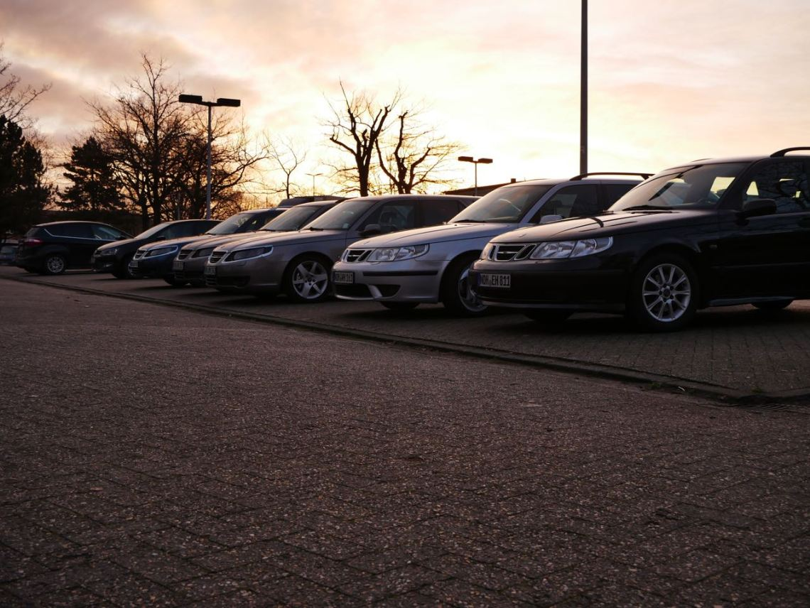 A lot of Saabs