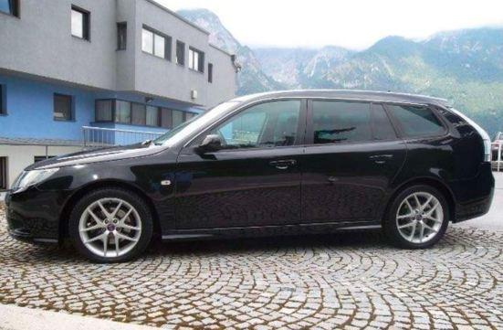 Ein Ex-Saab Dienstwagen wird in Wien angeboten