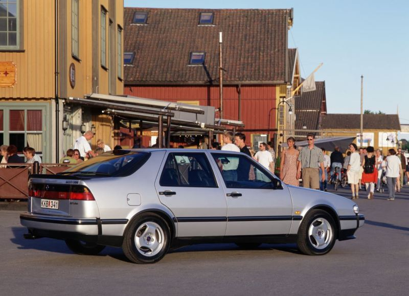 Saab 9000 Turbo tegen Audi, Porsche, Jaguar en Ford