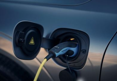 Guida elettrica intelligente? Un anno di elettricità gratuita da Volvo.