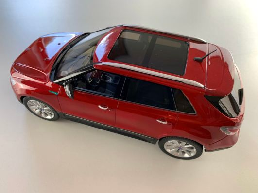 DNA Collectibles delivers the Saab 9-4x in 1:18 scale
