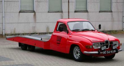 Un furgone Saab 96 è in vendita vicino a Arnhem