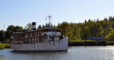 Le Wilhelm Tham sur le canal de Göta près de Trollhättan