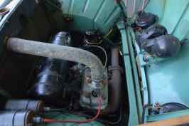 Tvåtaktsmotorn har en effekt på 25 hk