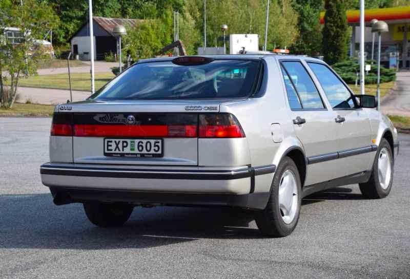A Saab 9000 CSE auctioned for a record price