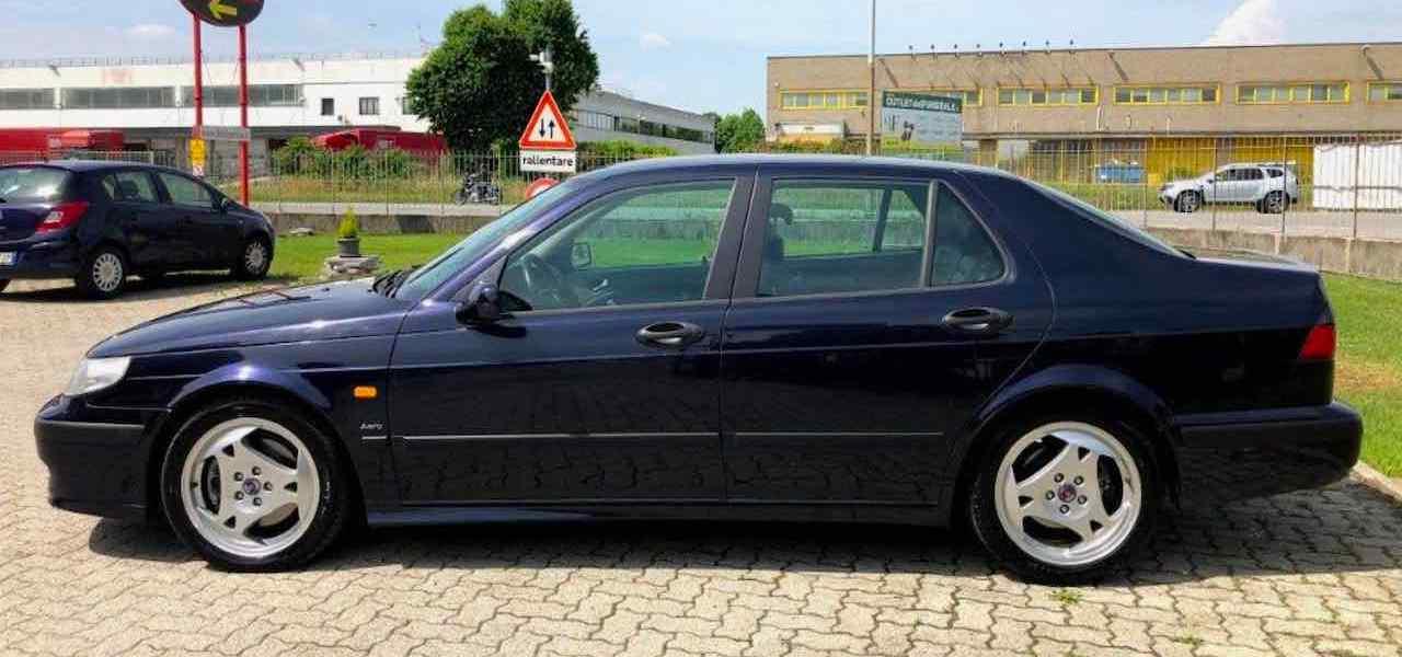 In der Nähe von Mailand wird diese Saab Schönheit angeboten