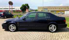 Denna Saab-skönhet erbjuds nära Milano