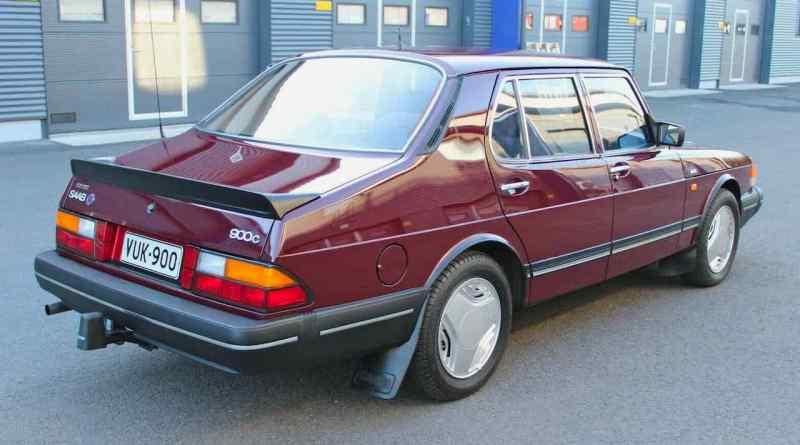 Saab 900c Sedan 1989