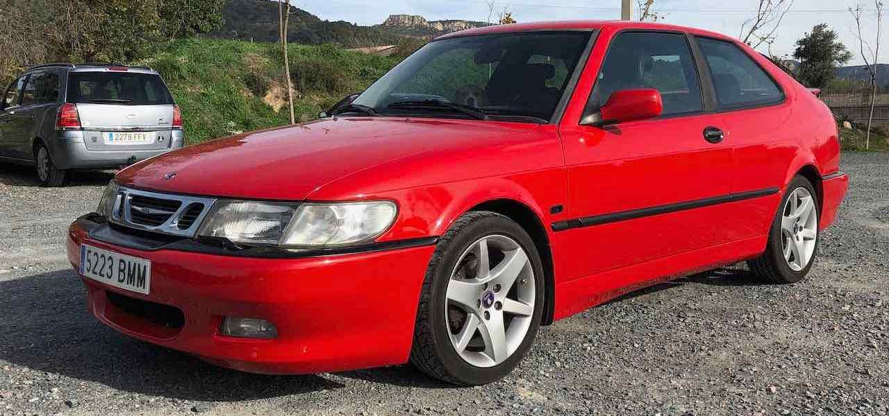 Rote Schönheit von Saab in Barcelona