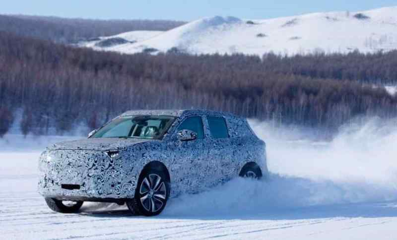 Hengchi SUV auf Wintertestfahrt