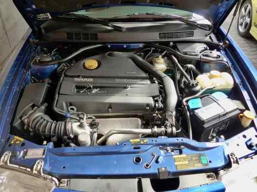 Le compartiment moteur est propre et sec
