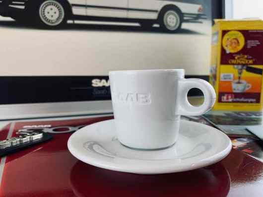 El modelo fueron las tazas de café de la era Saab Scania.
