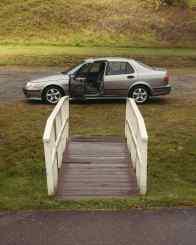 A Saab - une porte de voiture ouverte