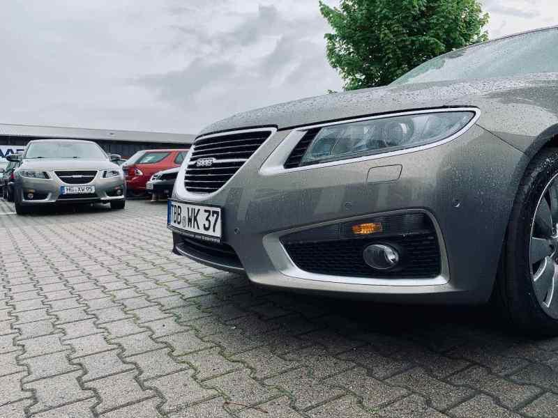 As estrelas do show - dois Saab 9-5 NG