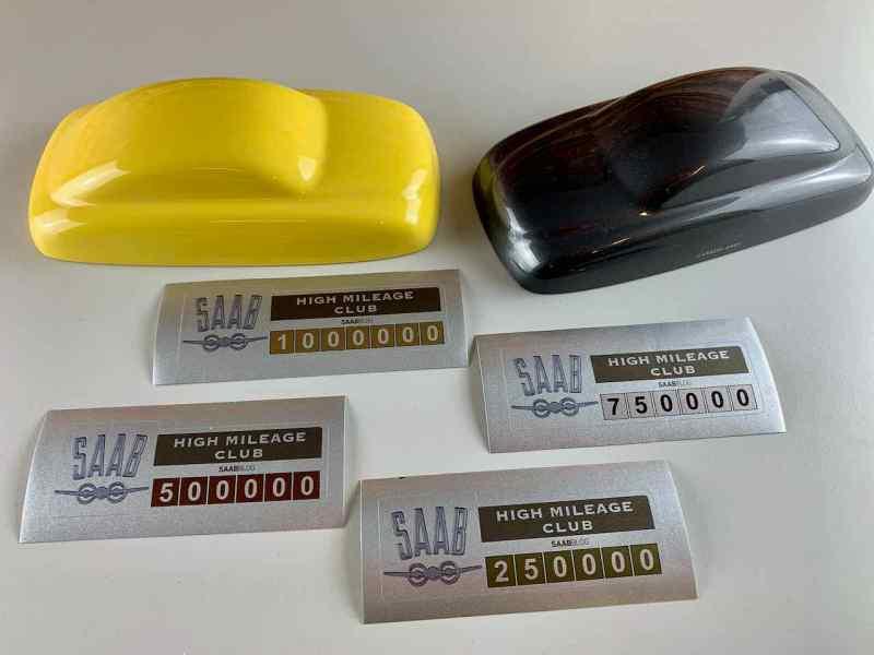 Качественные наклейки в металлической оптике с культовым самолетом Saab