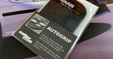 Saab - Più di un'auto - Tappetino adesivo Autogrip