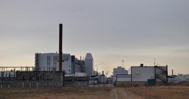 NEVS Trollhättan-fabriek, gezien vanaf het vliegveld