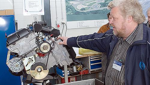 Juha Lehtonen, president of the Saab-Club of Finland explaining the origins of the V8.