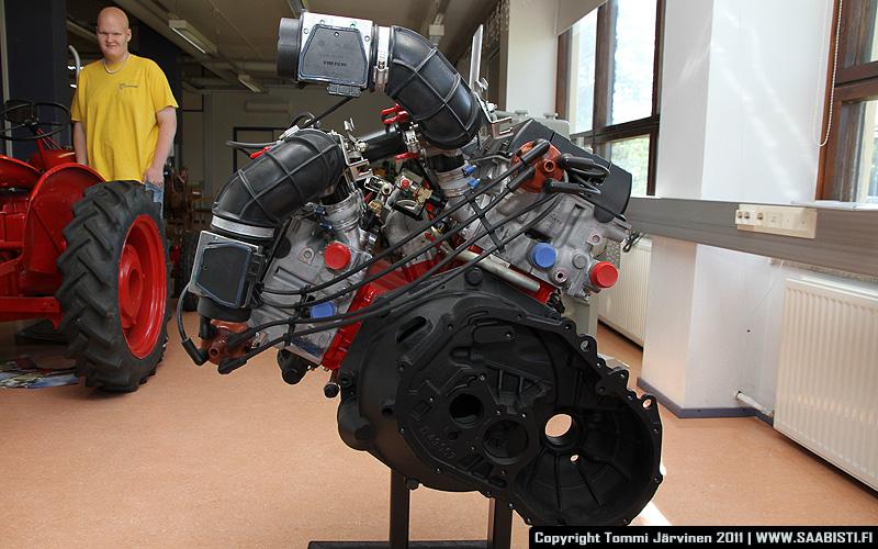 Saab V8 rear view