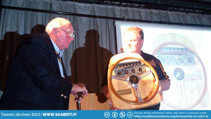 Erik Carlsson receiving his Lifetime Achievement Award from Peter Bäckström. Originally he was supposed to receive this from Victor Müller already in 2010 but as Saab went under (again) it fell through. But better late than never.