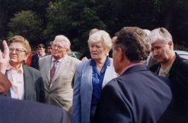 In der Mitte die Bürgermeisterin von Postelberg Frau Kouřilová