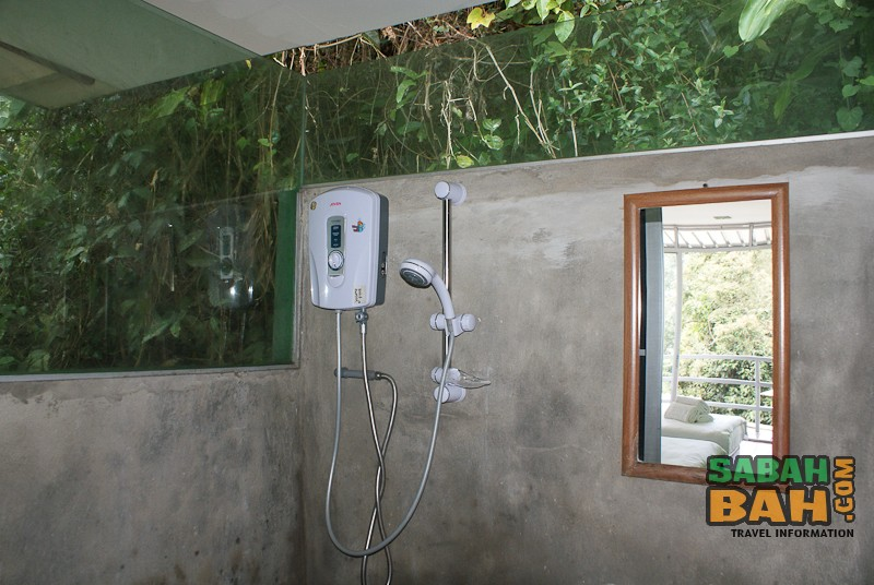 J Residence's funky, outdoors-feeling bathroom near Mt. Kinabalu, Sabah