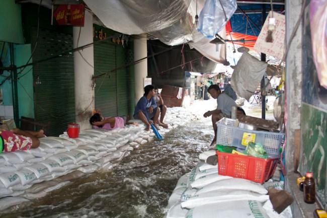 Нужный ракурс, и вуаля - Бангкок повержен!