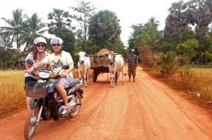 moto tour cambodia