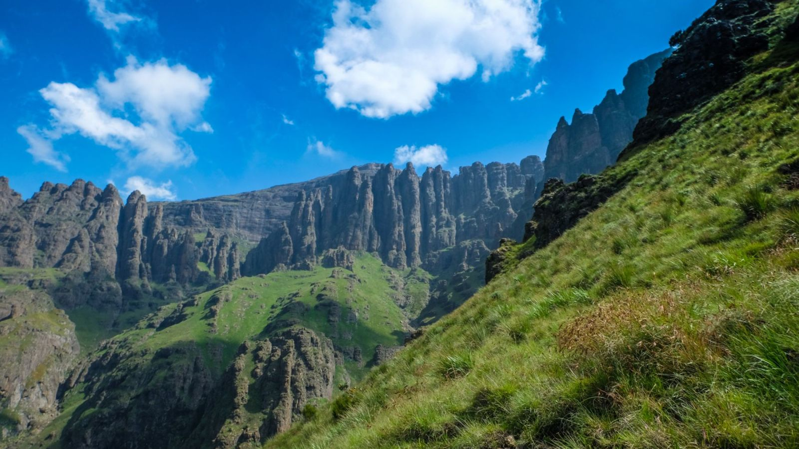 rock formation in the drakensberg mountains