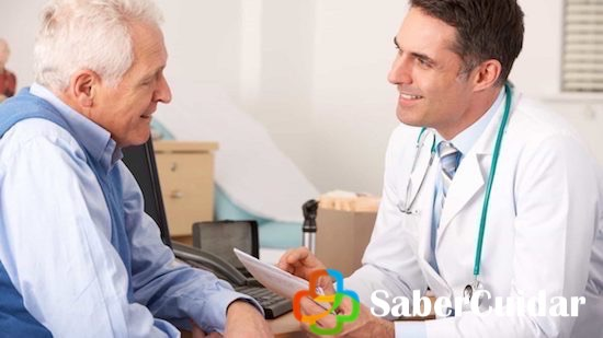 Consultando el medico especialista por andropausia