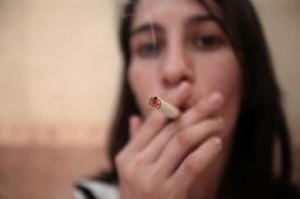 El riesgo de muerte entre las fumadoras aumentaba con el número de cigarrillos. (Imagen: SINC)