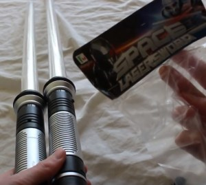 total-fx-rogue-lightsaber-review-total-ripoff-space-lasersword