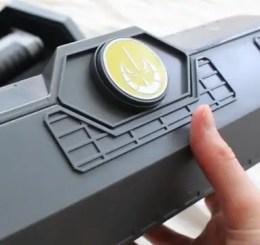 legacy-lightsaber-display-box-review-star-wars-galaxys-edge-chevron.jpg