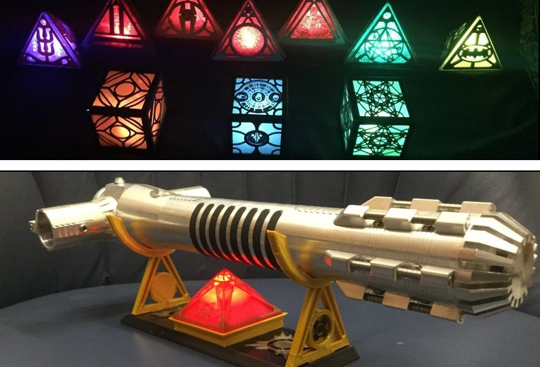 DCHolocrons holocrons (top) and lightsaber display stands with mini LED holocron (bottom)