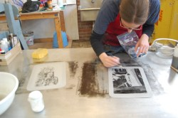lindsay working on her litho plate
