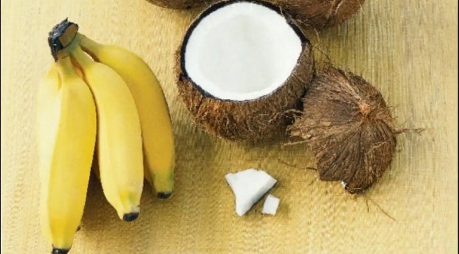 Banana, coconut oil and honey hair mask