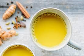 10 MIRACULOUS BENEFITS OF DRINKING TURMERIC MILK