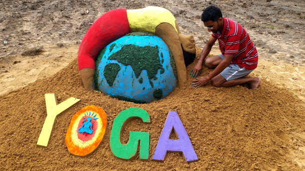 Yoga and its main benefits for healthy life - in Hindi