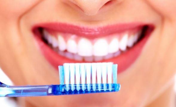 Las veces que debemos lavarnos los dientes al día