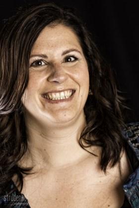 Sabine-Porträt-Web-STR_0310-Bearbeitet-682x1024