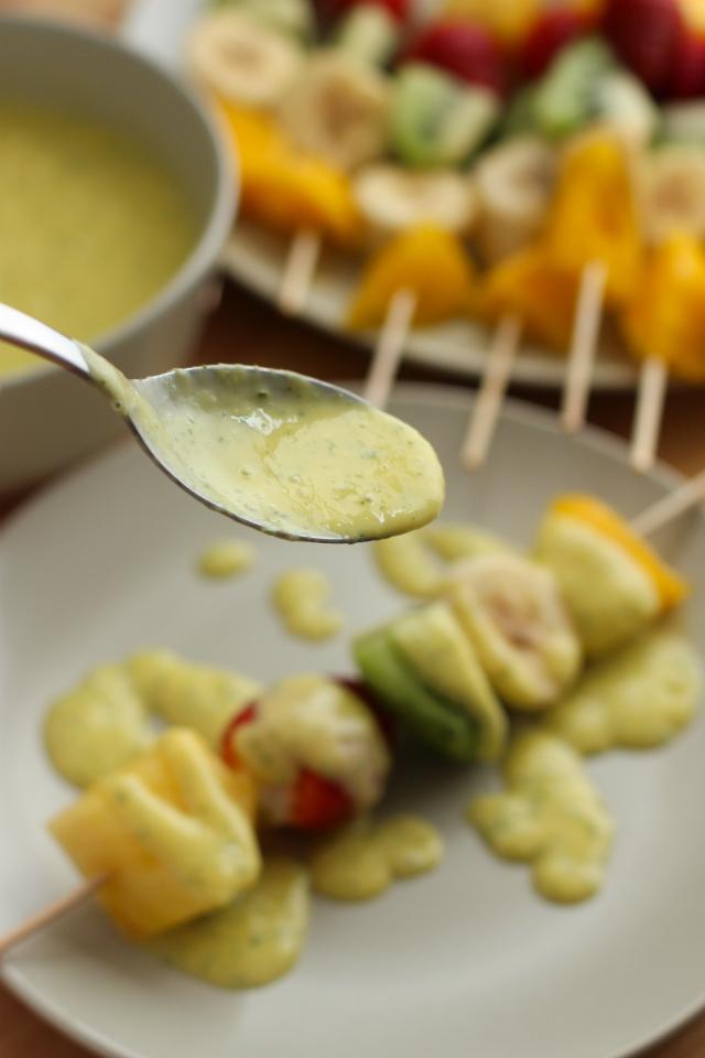 salsa-mango-yogurt-miel-menta