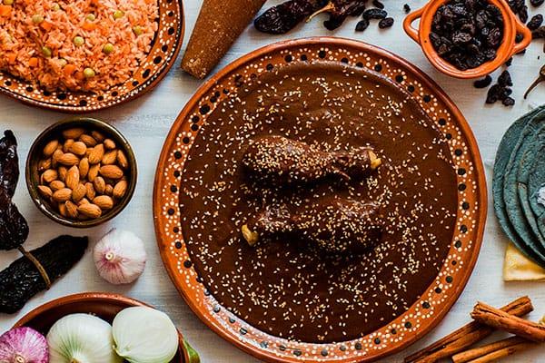 Menú de comida mexicana: mole poblano