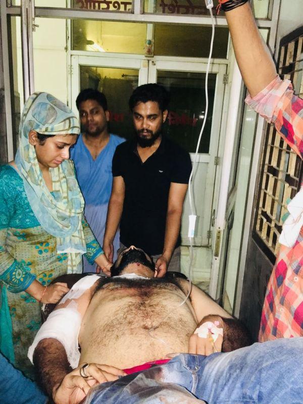 Dr. Kafeel Khan's brother shot at near CM Yogi Adityanath ...