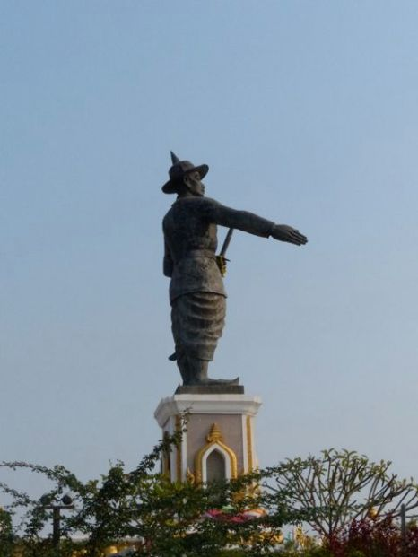 Man pointing to Thailand