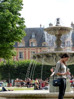 Summer in the Place des Vosges