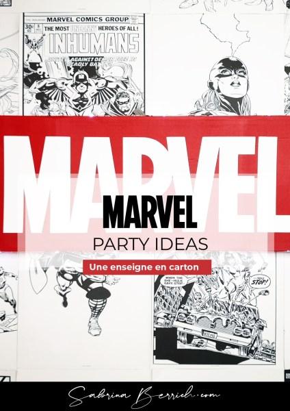 Une enseigne Marvel en carton
