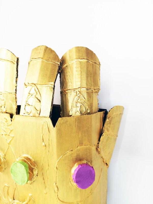 Le gant de Thanos Détails